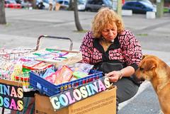Guloseimas, quem não gosta? (claudiocologni) Tags: friends oldwoman seller golosinas cand