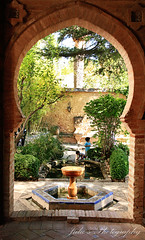 (Julie) Tags: door fountain garden spain gate julie arch andalucia malaga espania rond