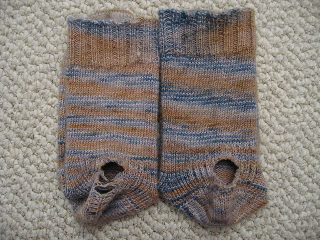 Stormy Days socks holes_01