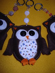 Corujinha da Sorte - Gufo Porta Fortuna (Martita Catita) Tags: handmade felt feltro tessuti tecidos stoffa portachiavi chaveiros gufoportafortunacorujadasorteperlinecontasbijoux