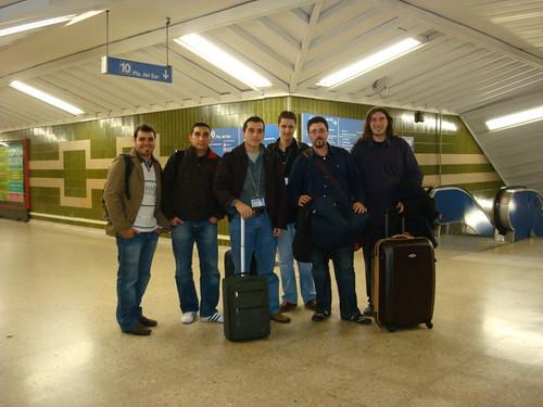Andres Karps (DinamicLab.com), Daniel Mota (Tuenti.com), Andres Nieto (andres2k.com) en el Metro