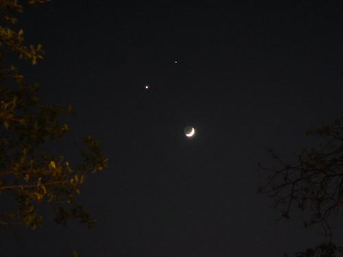 汕头的双星伴月 by Sinya Lee