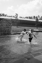 splash! (FISHMCNUggEt) Tags: pool decisivemoment