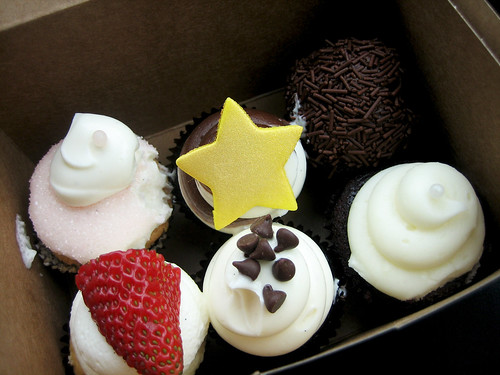 Vanilla Bake Shop Cupcakes