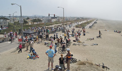 Sunday Streets (near the beach), August 9, 2009 by Steve Rhodes.