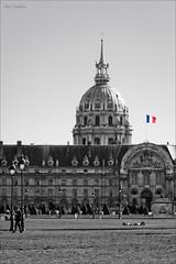French Flag (Marc Benslahdine) Tags: paris lightroom canonef70200mmf4lusm canoneos50d marcopix tripax marcbenslahdine wwwmarcopixcom wwwfacebookcommarcopix marcopixcom