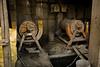 Machine pour casser les bloques de pierre afin d'extraire plus facilement l'or (La Rinconada, Puno, Pérou, août 2009)
