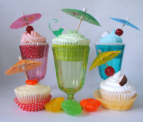 5745283656 1ca8702ed4 Alcohol Themed Cupcakes with Beer, Wine, Champagne and Cocktail Ideas