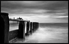 stillness (M`s vision) Tags: uk family sea holiday love beach blackwhite still time southwold timeless blueribbonwinner mywinners platinumphoto anawesomeshot lifeinslowmotion bigthankyoua detipojedtezpatkynejaktotuutichlomocpusinek