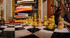 imgp8380m (gadl) Tags: paris france geotagged chess books bookshop bookshelves shelves livres chessboard shakespeareco librairie shakespeareandcompany 75005 geo:lat=48852616 geo:lon=2347029 20080328