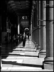 Duomo galleria (: panti :) Tags: bw white black milano persone galleria biancoenero colonne