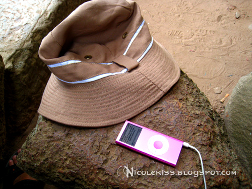 ipod and hat