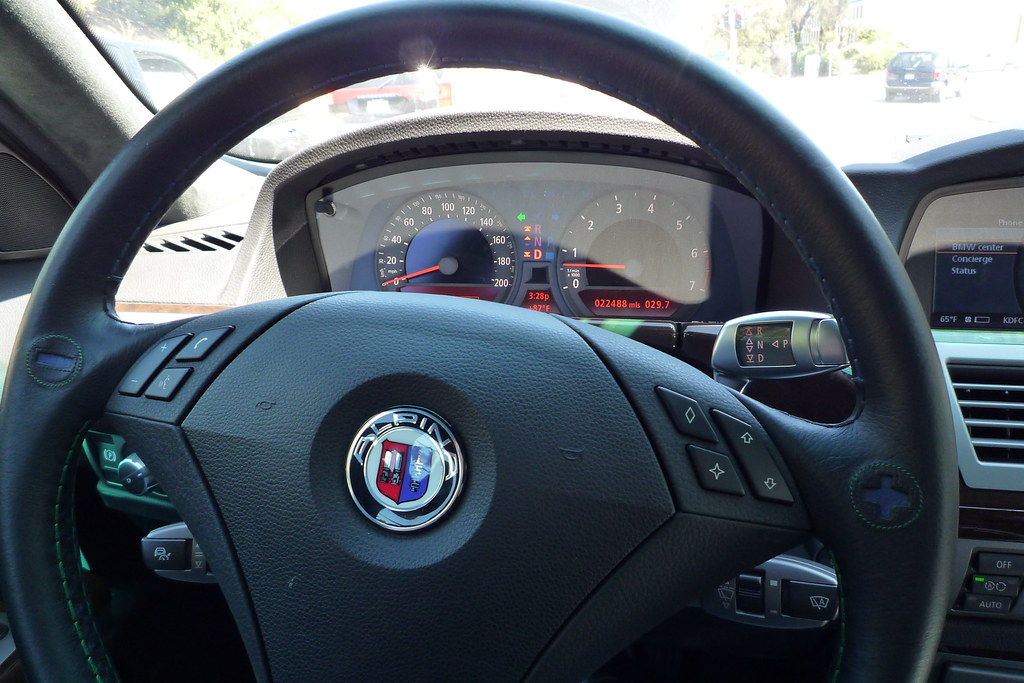 BMW Alpina B7 steering wheel and gauge cluster