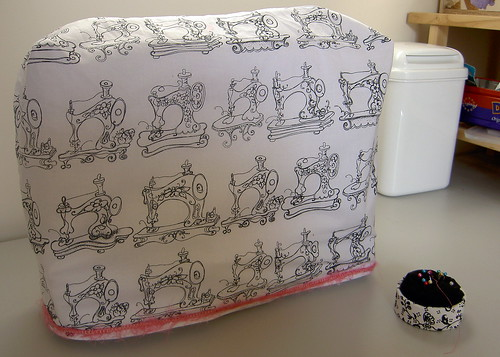Free Directions to Sew a Custom Sewing Machine Cover or Serger Cover