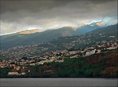 Funchal bay (julioc.) Tags: ocean trip houses sea summer cliff seascape portugal water landscape lumix fz20 bay mar agua quality coastal verão madeira atmospheric funchal oceano dmcfz20 penhasco julioc challengeyouwinner photographybyjulioctheblog ilustrarportugal sérieouro serieouro j1024