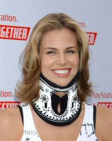 Brooke_Burns_neck_brace