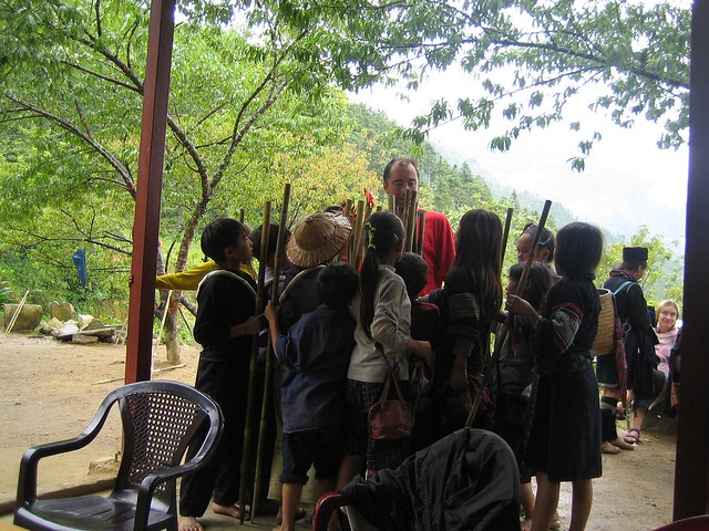 Sapa children selling sticks