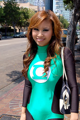 walking (hail_queen_anha) Tags: green costume san comic diego lantern friday 2008 con