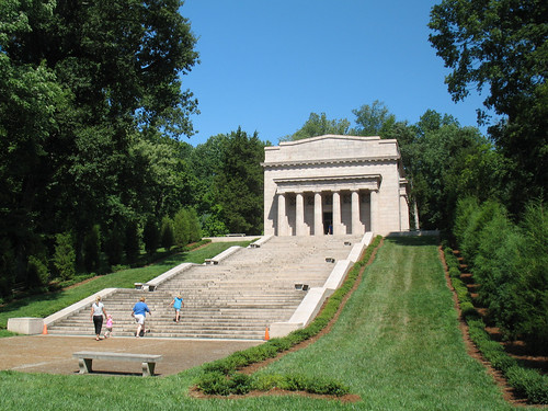 Abraham Lincoln Birthplace (2) - The Stairs