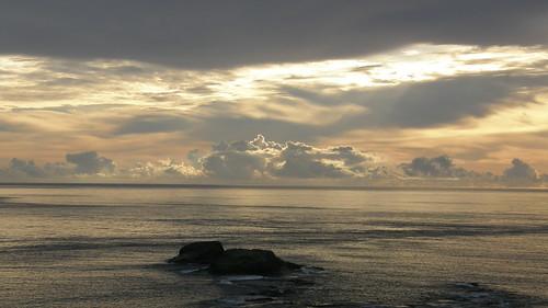 67.陽光染黃了整個海面 (4)