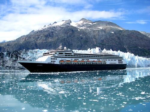 glaciercruiseship