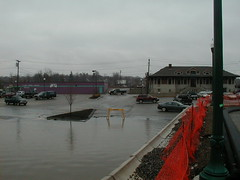 P4040014 (pelagic30) Tags: flood gardiner