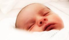 Aarn (OctaviS) Tags: baby child son beb nio hijo neonato