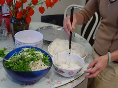preparing bun rieu_small