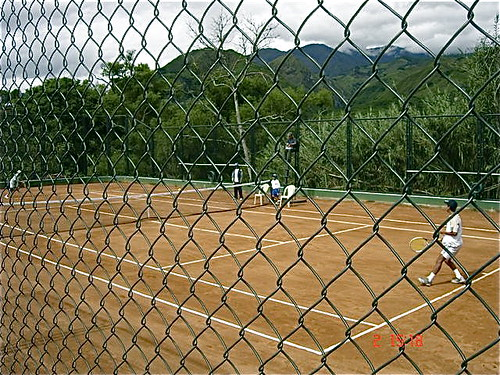 vilcabamba-ecuador-tennis