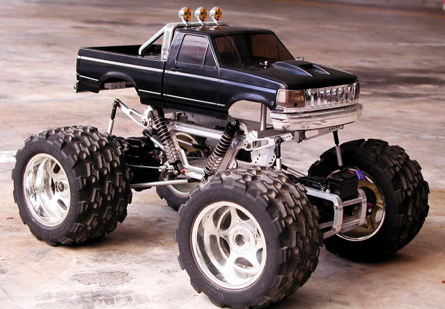 Big Truck Trader >> WTS Clodbuster with JPS chassis, 40's wheels/tires - R/C Tech Forums
