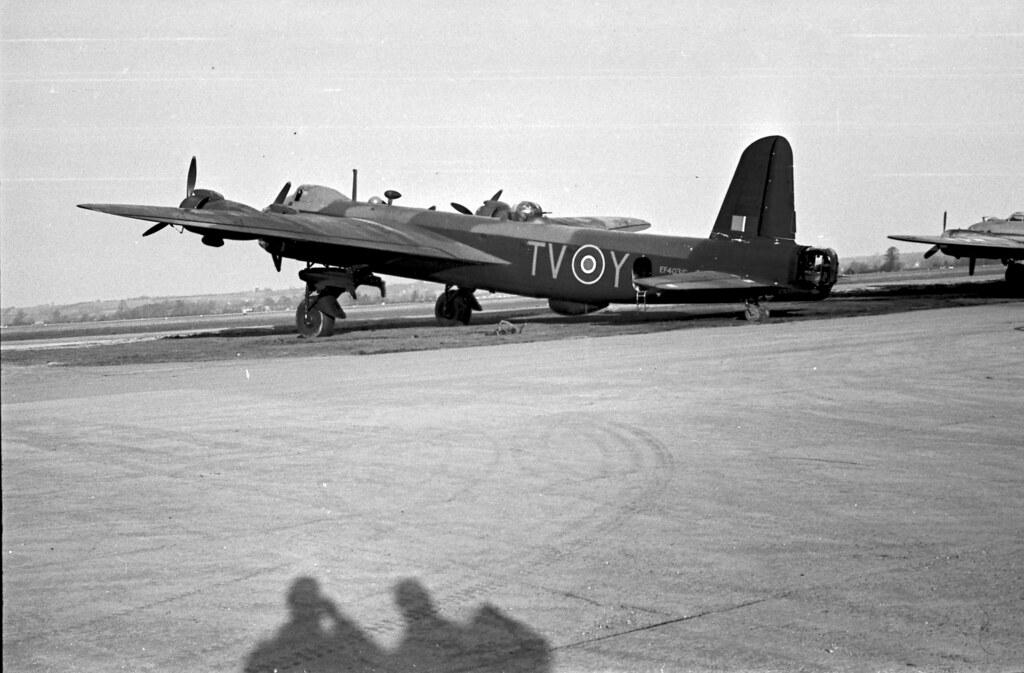 Short Stirling Bomber 02