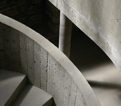 IMGP5203 (Peter Guthrie) Tags: norway museum architecture modern spiral concrete norge 60s ramp stair modernism ramps norwegian fehn curve hamar scandinavian arkitektur hedmark domkirkeodden sverrefehn hedmarksmuseet boardmarked