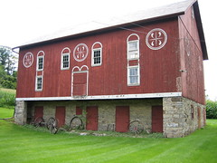 Old Pennsylvania German Barn (bob194156) Tags: red museum barn pennsylvania farm egypt lehighvalley whiteredwhite lehighcounty dwwg