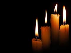 Eu sei que vou morrer (Kamillo Reis) Tags: light black yellow dark fire candle negro preto explore amarelo funeral vela fogo velas chama escuro brilho parafina castroalves pavio brilght kamilloreis euseiquevoumorrer