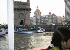 gateway of india and the taj hotel (rumana husain) Tags: sea india boats visit 2006 bombay mumbai ferries gatewayofindia tajmahalhotel