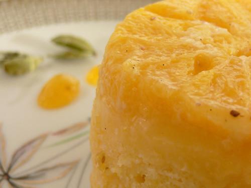 Verkehrter Orangen-Kardamom-Kuchen