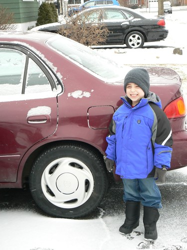 Kindergarten kid off to school