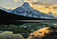 Mount Chephren and Waterfowl Lake (Jeff Clow) Tags: travel lake canada mountains reflection nature landscape twilight parkway albertacanada banffnationalpark mountainrange icefieldsparkway waterfowllake canadianrockies mountchephren nikond700 gpse