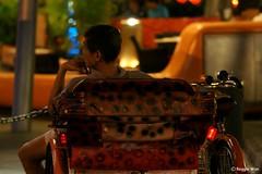No business, no worry, just relax lah... (Reggie Wan) Tags: tourism night asian evening singapore asia southeastasia rickshaw clarkequay rickshawrider sonya700 sonyalpha700 reggiewan