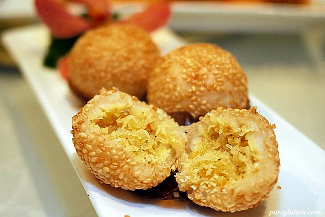 DF sesame ball shredded coconut