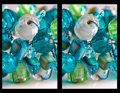 3D beaded bracelet - close (neilcreek) Tags: blue white green glass beads stereophoto stereophotography 3d crosseye wire shiny jewelry jewellery stereo bracelet bead chacha beaded