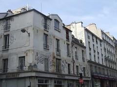 How do they get the graffiti up there? (cheesemonster) Tags: paris france frankreich ledefrance grafitti grafiti frankrijk francia rp  writingsonthewall   rgionparisienne parisregion
