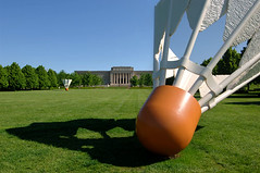 Nelson Atkins Museum in KC - 06 (eligmon) Tags: sculpture art architecture kansascity missouri badminton shuttlecock nelsonatkinsmuseumofart