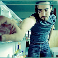 Day #6 - Fixing Breakfast (Luis Montemayor) Tags: selfportrait kitchen mexico casa fridge df hand mano myfavs refrigerador project365 luismontemayor autretrato