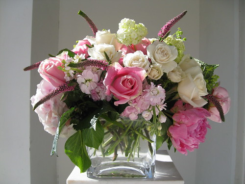 centerpiece, Edding flowers Soft pink Peony, ivory roses and Lisianthus, tree Ivy, pink Veronica