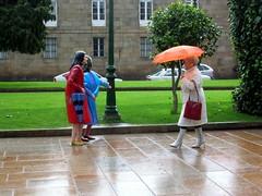 Chove en Santiago (Jos Luis Lpez Vzquez) Tags: santiago espaa de lluvia spain nikon d70 jose compostela luis lopez paraguas jos 4600 lus llueve vazquez f601 vzquez lpez joseluislopezvazquez josluislpezvzquez