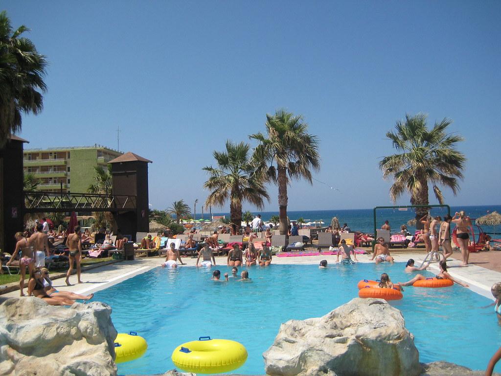 Star beach Χερσόνησος
