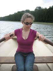 2008-08-31_13_christine_rowing
