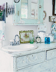 White Furniture Shabby Chic Style Is A Slightly More Modern Look