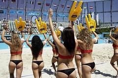 plaj_voleybolu_cheerleader (kaan.berberoglu) Tags: popo plaj voleybolu ponponkzlar sellit seksibacaklar kaldirma